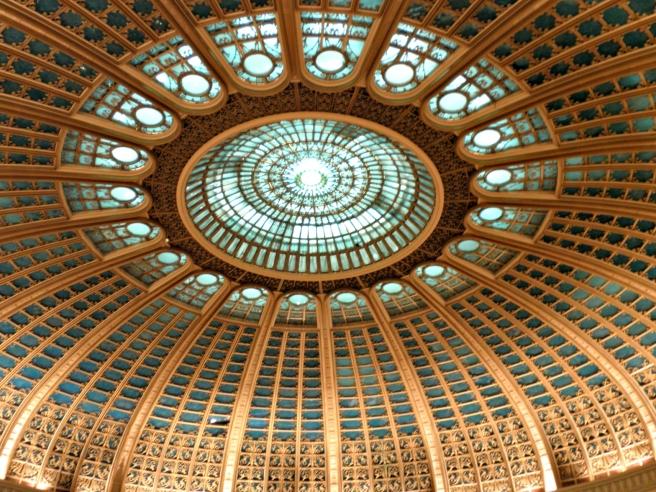 Bezienswaardigheid Bucharest Roemenië, Het parlementspaleis (Palatul Parlamentului)
