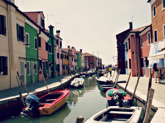 Travel Tips   Venetië - Rondwandelen op het kleurrijke eiland Buran