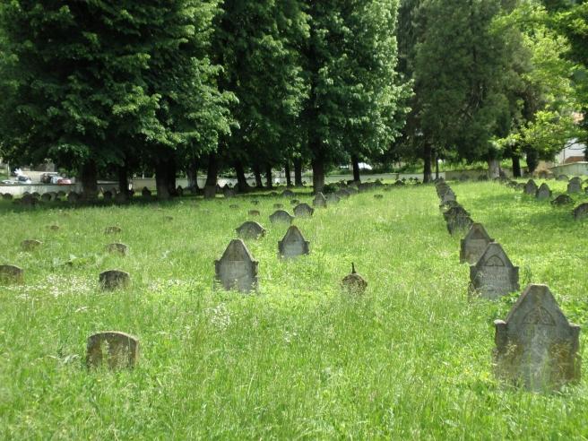 Tips Brasov: wandelen begraafplaatsen